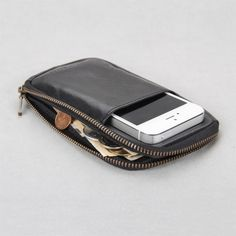 10% Discount! 2013 new style for wallet iphone case for iphone 4/4s/5 with luxury retail package 100% soft genuine cow leather $33.26