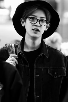 EXO   Chanyeol   Black & White   Glasses   Hat   Flawless
