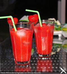 Smoothies Recipes Strawberry - Caipirinha (recipe with picture) by Schlemmermaier Fun Drinks, Yummy Drinks, Alcoholic Drinks, Party Drinks, Cocktail Shots, Cocktail Recipes, Smoothie Drinks, Smoothie Recipes, Drink Recipes