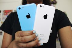 erikanicole2: my mom and brother's iphones hehe IG: @erika_nicole2