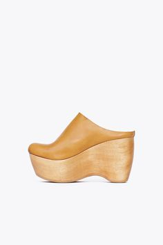 0e7ba5cdafad88 Purveyor of beautifully designed and thoughtfully curated fashion and  objects. AbsatzschuheSchuh ...
