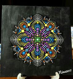 My inspired Mandala Hand Painted with Acrylic colors on Canvas by Nina Italy - Dot Art - Puntinismo su tela ispirato e fatto a mano da Nina Italia