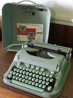 Munk's Little Typewriter Collection Modern Typewriter, Antique Typewriter, Writing Machine, Sewing Machine Accessories, Vintage Typewriters, Old Tools, Retro Aesthetic, Vintage Shabby Chic, Fake News Generator
