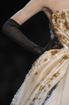 Christian Dior Couture Details Spring 2011 - Indulge in a Decade of Dior Couture Runway Details - Photos