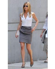 Jennifer Aniston, Denim Skirt, Leather Skirt, Girls With Glasses, Reese Witherspoon, White Shirts, Skirt Set, Hot Girls, Mini Skirts