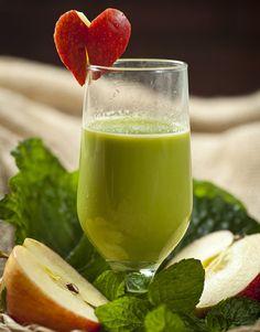 6 sucos refrescantes para aliviar o calorão