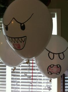 Super Mario party decorations - easy do-it-yourself (Boo ghost balloons) @Crystal Akers