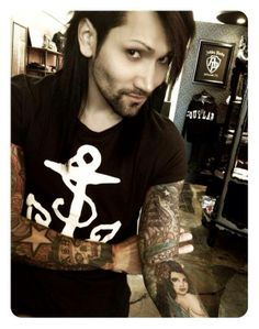 this one goes out to all those Purdy girls heres Ashley Purdy with some faical hair <3