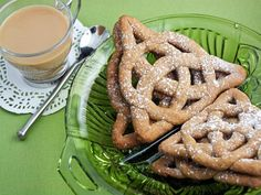 Learn how to make celtic knot cookies for St. Patrick's Day with this recipe from HGTV.com. >> http://www.hgtv.com/design/make-and-celebrate/handmade/celtic-knot-cookies-recipe?soc=pinterest