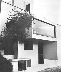 Oficinas de la firma 'R. Legorreta V. Arquitectos', Palacio Versalles 285, Lomas de Reforma, México, DF 1966 Arq. Ricardo Legorreta -  Offices of the firm 'R. Legorreta V. Arquitectos', Palacio Versalles 285, Lomas de Reforma, Mexico City 1966