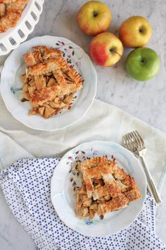 Hip Foodie Mom: Lattice Top Apple Pie. A slice for you, a slice to share. Everyone loves warm apple pie! #bakeforgood