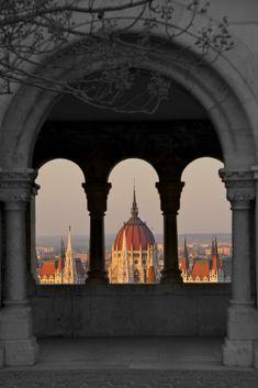 """ Budapest, Hungary (by Bernardo) """