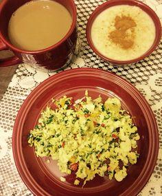 Claras de huevo con espinaca y pimientos, avena en agua y canela + cafecito  carbohidrato y proteina