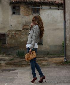 Jacket long limp white t jeans... nix the heels... like the backdrop for euro portrait