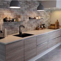 """""""Mi piace"""": 34.4 mila, commenti: 204 - Interior Design & Decor (@homeadore) su Instagram: """"Modern Kitchen by @designakitchen """""""