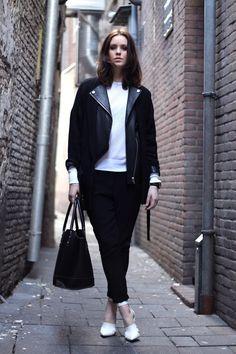Shop this look on Kaleidoscope (blazer, pants, pumps)  http://kalei.do/WivCt1X9BRIHOS5c