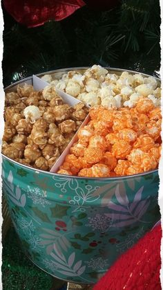 Creating and wrapping the perfect Christmas gift takes time. Imagine finding the perfect gift to wrap while saving time and money? Here is how, tap for more information. Popcorn Tin, Best Popcorn, Flavored Popcorn, Gourmet Popcorn, Popcorn Packaging, Popcorn Company, Popcorn Seasoning, Kettle Corn, Caramel Corn