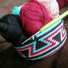RiannesHaaksels: Wayuu moc hila Wayuu pattern pThis Pin was discovered by Car Tapestry Crochet Patterns, Crochet Motif, Crochet Stitches, Pixel Crochet, Crochet Cross, Crochet Handbags, Crochet Purses, Crochet Gifts, Diy Crochet