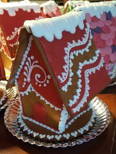 Joulu on ihan parasta aikaa. Tekisi vain niin mieli leipoa ihan kaikkea. Valitettavasti työkiireet ovat näin joulun alla pahimmillaan, joten...