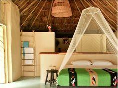 Papaya Plaza    Não me canso de os tecidos lindos que dão um choque de cores brilhantes para cada uma das camas.
