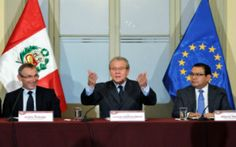 Cooperación. El Ministro de Relaciones Exteriores, Embajador Gonzalo Gutiérrez Reinel, recibió hoy al Comisario de Desarrollo de la Unión Europea (UE),