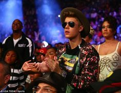 Justin's outfit last night was H.O.T.  Loved it! His style has been improving lately!