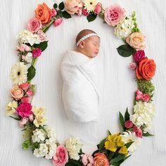 What a pretty newborn photo idea! . . . . . . . . . #preggicentral #preggistyle #pregnant #pregnancy #preggibump #pregnantlife #pregnantbump #pregnantootd #pregnantootd #pregnancystyle #pregnancyshoot #maternity #maternitywear #maternityootd #maternitystyle #baby #babybump #babygirl #babyinspo #babystyle #newbaby #newmum #newborn #newbornphotography #morningtonpeninsula
