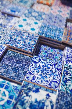 1 Week in Portugal With Air Transat - To Vogue or Bust Where to get tile. - 1 Week in Portugal With Air Transat – To Vogue or Bust Where to get tiles Lisbon - Azulejos Diy, Air Transat, Portugal Travel, Lisbon Portugal, Deco Nature, Portuguese Tiles, Portuguese Culture, Custom Coasters, Tile Coasters