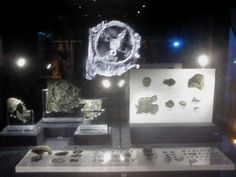 Antikithera Mechanism . Athens Museum of Archology . hologram and real object