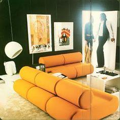 epoca Elite yellow living room blue sofa one a - Interior Bauhaus, Interior Architecture, 1970s Decor, Retro Home Decor, Casa Pop, Retro Interior Design, Retro Room, Vintage Interiors, My New Room