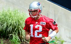 NFL Network Insider Ian Rapoport brings the latest information on Patriots QB Tom Brady's decision to not attend the team's OTAs. Patriots Football, Football Helmets, Nfl Network, Tom Brady, New England Patriots, Tampa Bay, Toms