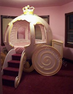 OMG! Hard core princess bedroom.... I mean how cute would this be for a little girl?!