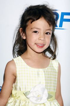 Modern Family's Lily: Aubrey Anderson-Emmons - my favourite blabbermouth from Modern she is absolutely hilarious Modern Family Lily, Modern Family Quotes, Family Outfits, Family Clothes, Aubrey Anderson, Julie Bowen, Tv Shows Funny, Love Lily, Great Tv Shows