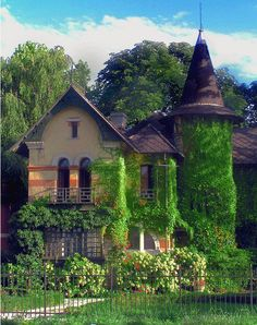 GOTHIC HOUSE Location Unknown
