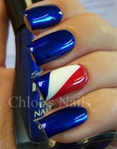 Red, white and blue 4th of July nails.