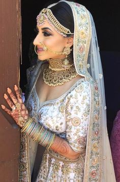 Dress indian style desi wedding 41 ideas Source by dresses indian Informations About Dress indian style desi wedding 41 ideas Source by Indian Bridal Outfits, Indian Bridal Lehenga, Indian Bridal Makeup, Indian Bridal Wear, Indian Bridal Jewelry, Bridal Lenghas, Dress Indian Style, Indian Dresses, Indian Clothes