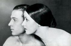 cast009 - Rodolfo Valentino y Natasha Rambova by James Abbe (1921)