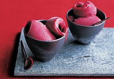 Check out how plums and wine unite for a unique frozen treat for this five-spiced plum and red wine sorbet recipe. Summer Dessert Recipes, Fruit Recipes, Wine Recipes, Sweets Recipes, Delicious Recipes, Frozen Desserts, Frozen Treats, Just Desserts, Healthy Desserts
