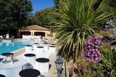 One day event lounge décoration, in provence, black and white
