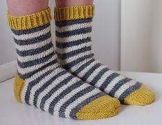 koukutettu's Raitasukat - Lilly is Love Crochet Socks, Diy Crochet, Knitting Socks, Knitting Charts, Knitting Patterns, Mitten Gloves, Mittens, Bed Socks, Wool Socks