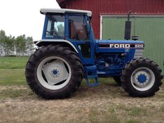 New Holland Tractor, Classic Tractor, Ford Tractors, Vintage Tractors, Ford Models, Farm Life, Buses, Farming, Vehicles