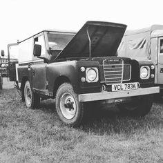 Land Rover Defender Series II  #landrover----#defender  @pml_productions --------------------------- @german_forum_cars @rr_performance  @audi_quattro_gmbh @amgmercedes.porsche @porsche.germany @f.s_photography_ @loui1004 -------------------------- #challengetruck #bograt #greenlane #offroad #bandit #_markvaz #gigglepin #trayback #winch #landrover #beautiful #summer #turbodiesel #flex #overland #awesome #serieslandrover #explore #adventure #landroverdefender #defender #4x4 #mud #vintage…