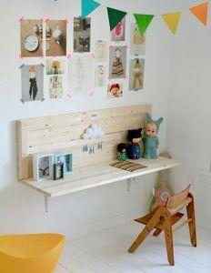 i like the wall desk- easy! i like the wall desk- easy! i like the wall desk- easy! Casa Kids, Deco Kids, Diy Casa, Wall Desk, Shelf Desk, Wall Shelves, Wall Bench, Diy Shelving, Wooden Shelves