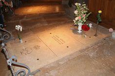 Monaco - kathedraal. Het graf van Gratia Patricia, bekend onder haar filmsternaam Grace Kelly, de echtgenote van prins Rainier van het vorstendom. Overleden in 1982. Foto: G.J. Koppenaal - 2/6/2013.