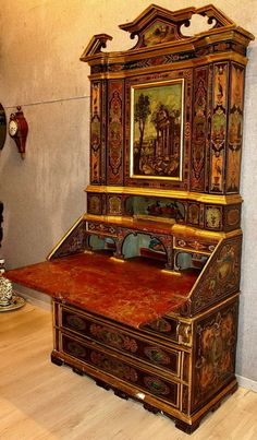 Lacquered Trumeau manufactured in  Le Marche  17th century
