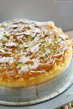Pistachio and Honey Bougatsa - Yummy Crumble Greek Sweets, Greek Desserts, Greek Recipes, Just Desserts, Delicious Desserts, Turkish Dessert Recipes, Persian Recipes, Bougatsa Recipe, Greek Cake