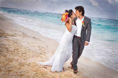 Photo by Jesse Hernandez Photography. More here: http://snapknot.com/wedding-photographer/4475-Jesse-Hernandez-Photography