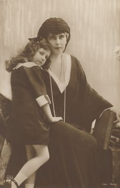 """Queen Marie of Romania with her daughter Princess Maria, known as """"Mignon"""". Queen Mary, King Queen, Romanian Royal Family, Adele, Royal Photography, Elisabeth Ii, Princess Alexandra, Casa Real, People Of Interest"""