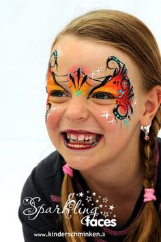 Halloween mask bright and cute Kinderschminken bei der preisgekrönten Facepainterin und Instruktorin. Farbenverkauf: eine exklusive Auswahl professioneller Schminkfarben und Zubehör. Kurse!!!