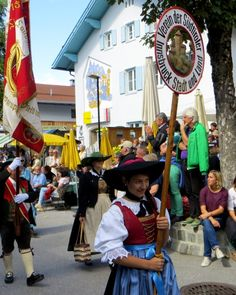 Film and pictures about #costume parade 2014 in Seefeld in #Tirol in german language: http://www.reiseziele.com/reiseziele/seefeld/seefeld-trachtenumzug-2014.htm #Austria #Alps